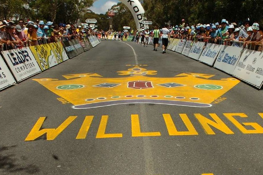 Hot action at the Santos Tour down Under!